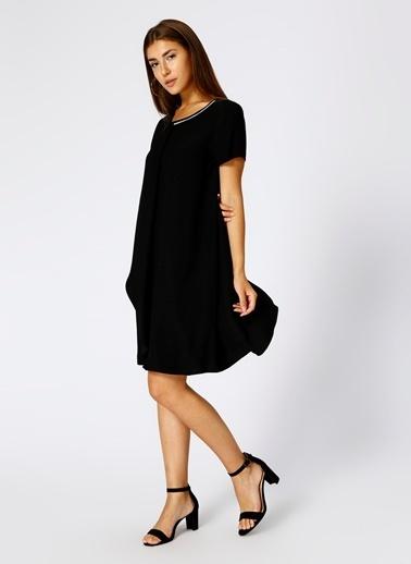 House Of Camellia Kısa Kollu Salaş Elbise Siyah